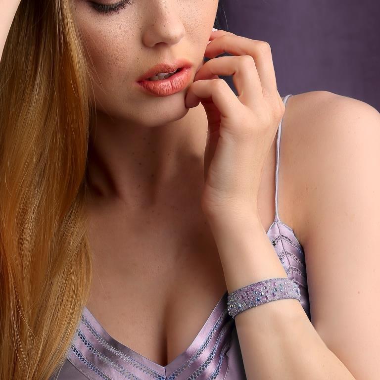Classic fashion bracelets