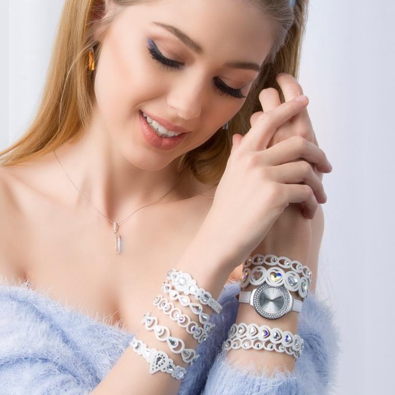 Openwork fashion bracelets